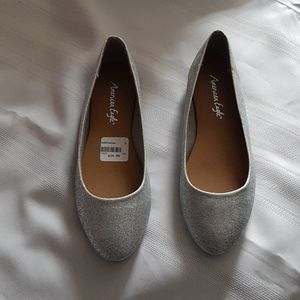 New silver sparkly shoes size 5 ladies